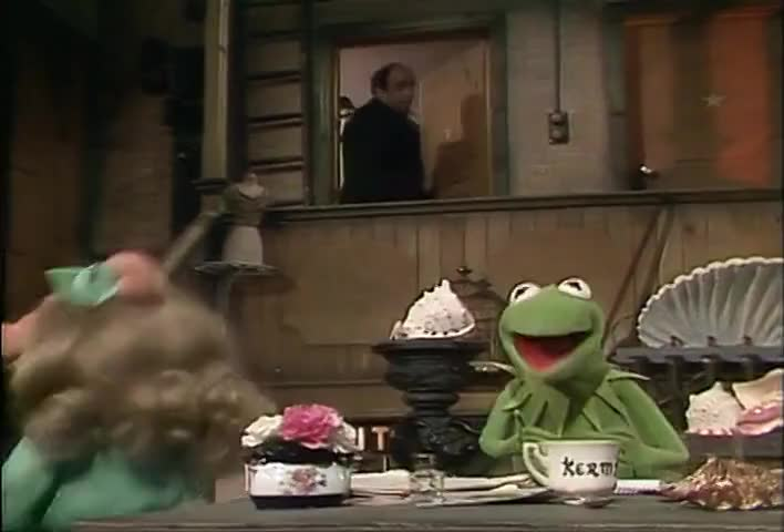 Kermit, I'm ready for my closing number.