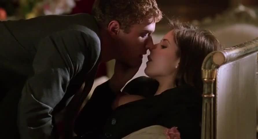 wet-role-models-movie-sex-scene