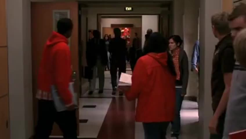 - Who else wants a piece of this? - And that's what you missed on Glee.