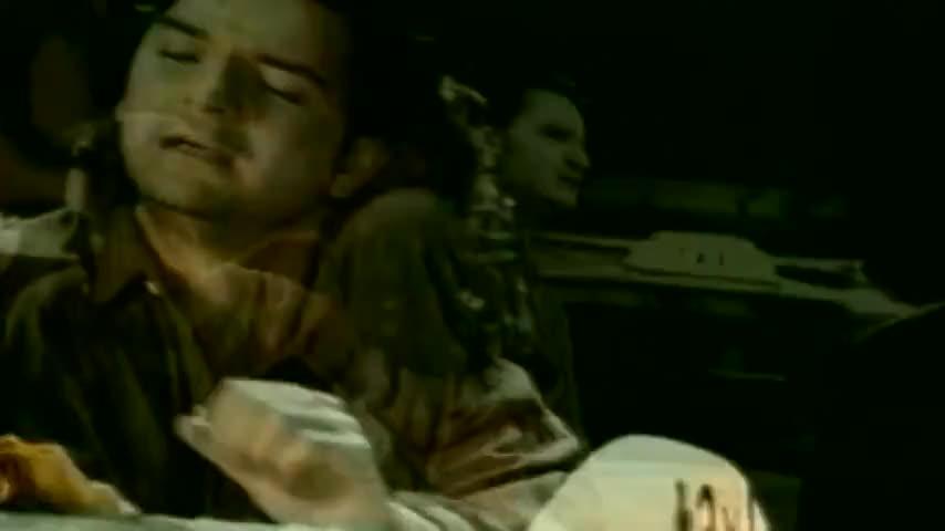Que es lo que hace un taxista enfrente de una dama