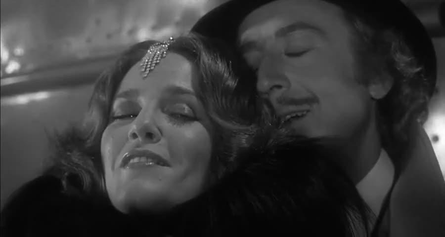 - Oh, my only love. - Taffeta, darling.