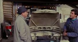 -Oui, le moteur cliquette encore un peu à froid, mais c'est normal.