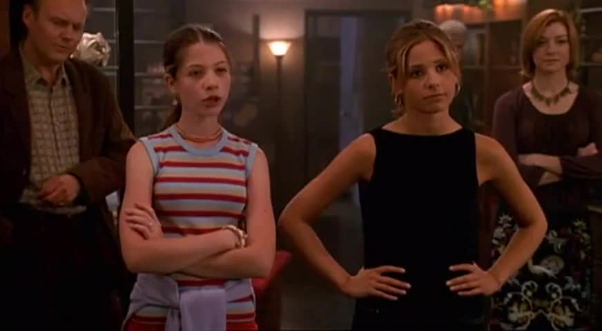- You don't wanna mess with us. - She's a hair-puller.