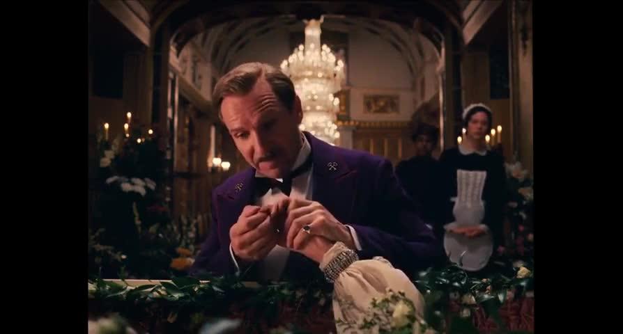 - Clotilde? - Oui, Monsieur Gustave?