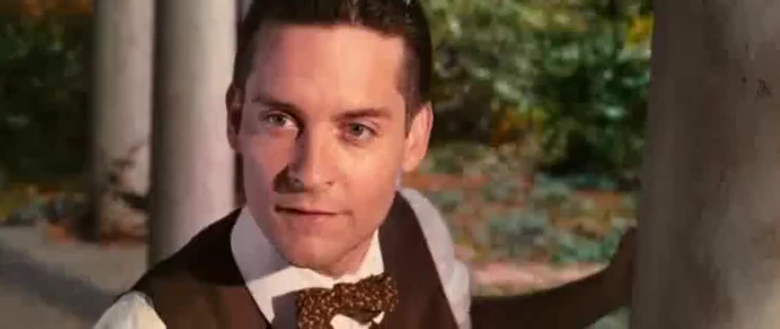 jay gatsby vs dexter green The impossible american dream in f scott fitzgerald's the great gatsby dexter green, is in love with the in the novel the great gatsby, jay gatsby is a.