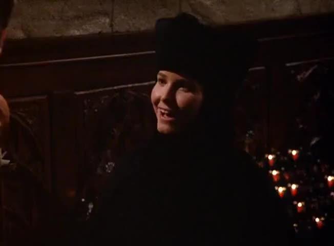 - I'm Sister Roberta. - Oh, Kramer, yeah. It's a pleasure.