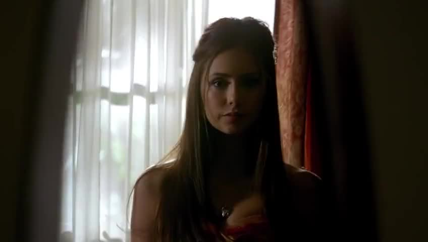 - She's a deadringer for Katherine. - What are you?
