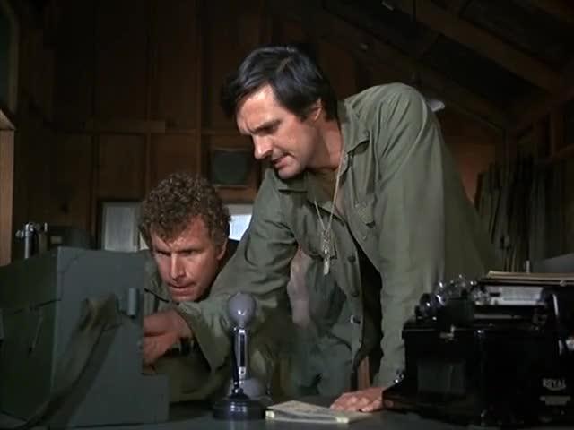 — Not now, Radar. — Okay, it's cookin'.