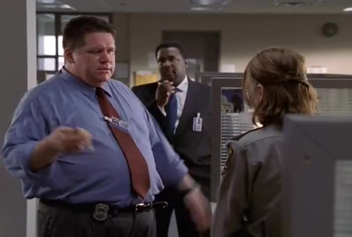 and the brash, tweedy impertinence of Det. Freamon.