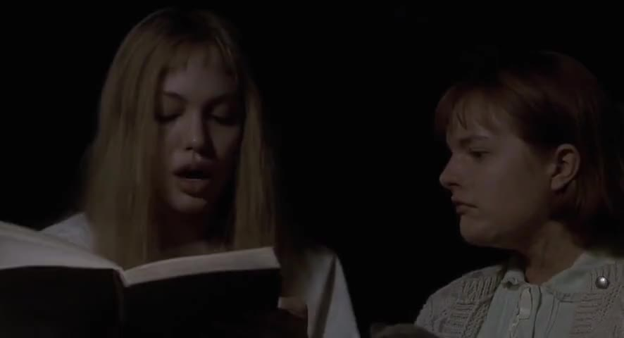 girl interrupted movie paper Girl, interrupted leaves you wondering what exactly susanna kaysen makes of her past clearly she looks back on it with a sense of surprise, almost wondering whether her memories really belong to her.