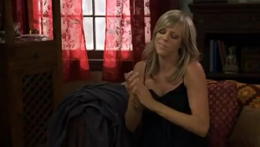 Josh Groban likes his ladies to pop, so -
