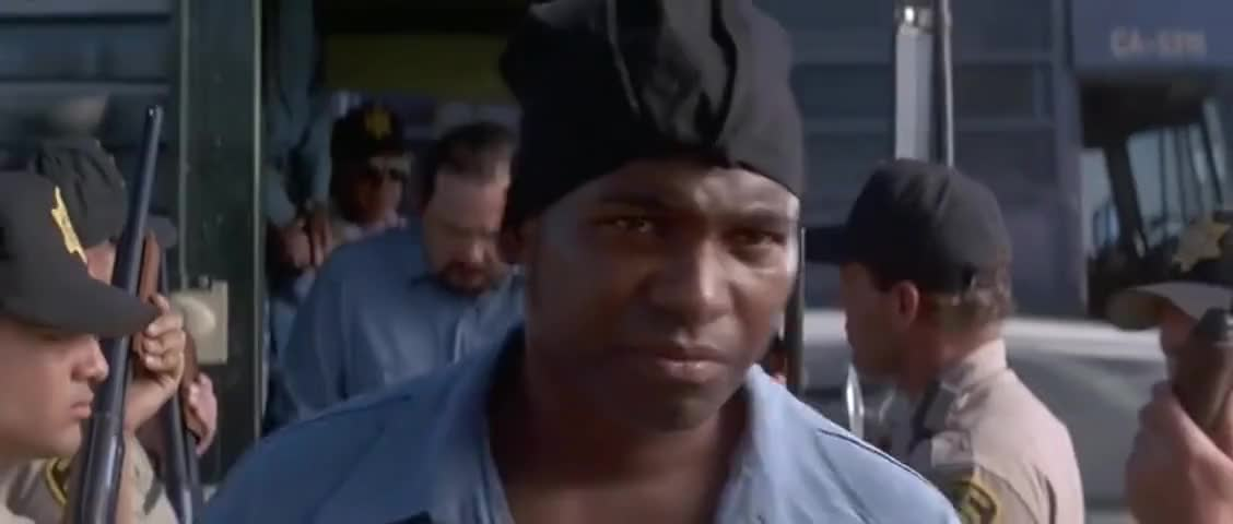 Oh, now, look at this fashion statement. The do-rag gotta go, homeboy.