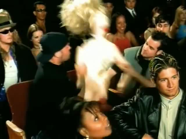 And show the whole world, how you gave Eminem VD (Ahh)