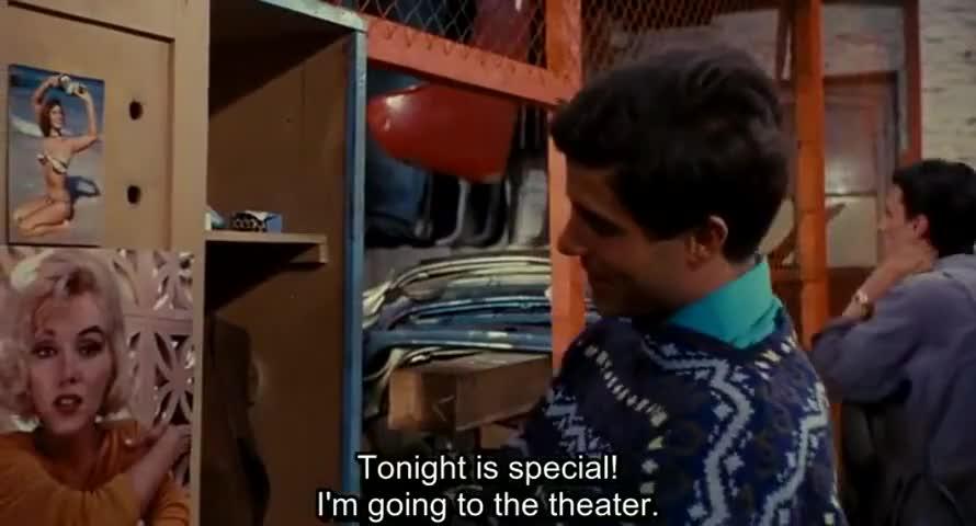 Mais ce soir, c'est sacré, je vais au théâtre.