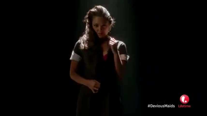 Clip image for '(Woman continues singing in Spanish)