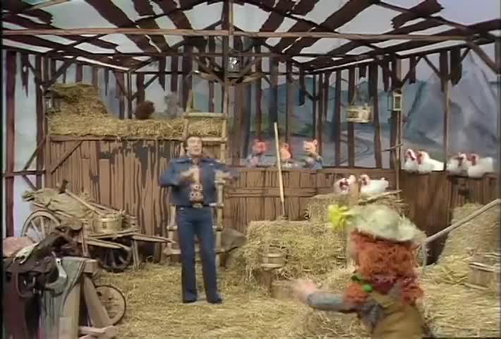 ♪ Well, life on the farm is kinda laid back