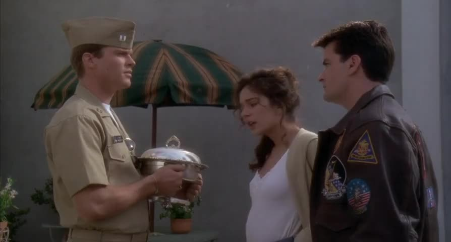 - The chafing dish is not yours. - It is.