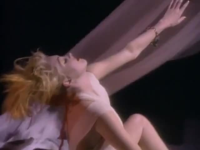 nude-pictures-of-cyndi-lauper-sweet-tight