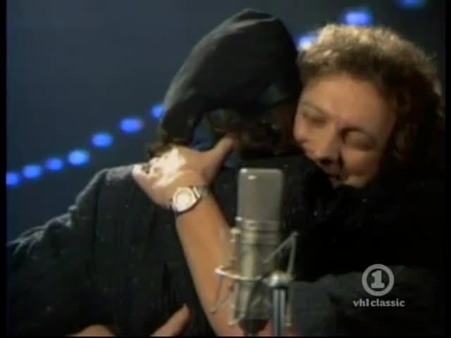 (I wanna feel what love is), hey I wanna feel, love