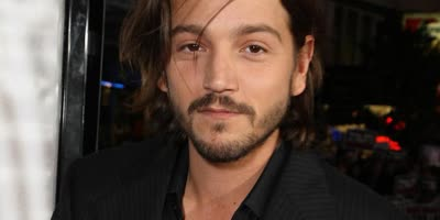 Quiz promotion for Diego Luna Quiz